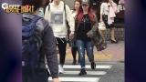 视频:恋情曝光?邓紫棋与白衣男子亲密牵手逛街