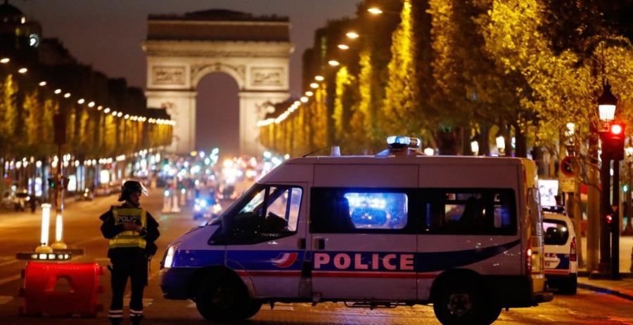 巴黎香榭丽舍大街发生枪击案致1死 IS宣布负责