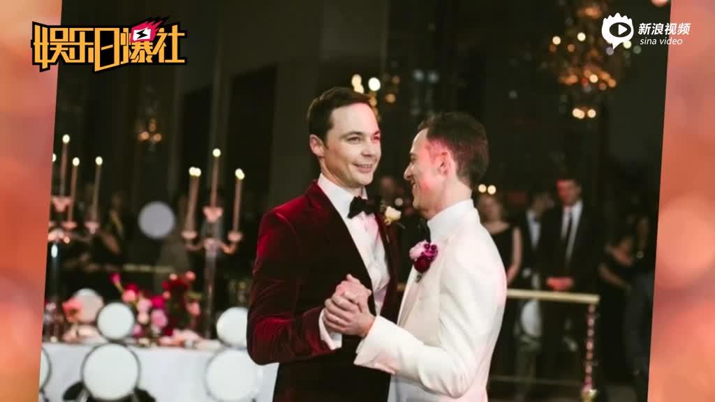 """""""谢耳朵""""婚礼与男友共舞"""