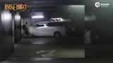 视频:杨坤被拍到低调搬家 疑似不堪私生饭骚扰