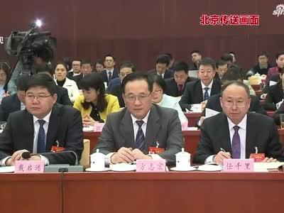 出席十三届全国人大二次会议的安徽代表团举行全体会议