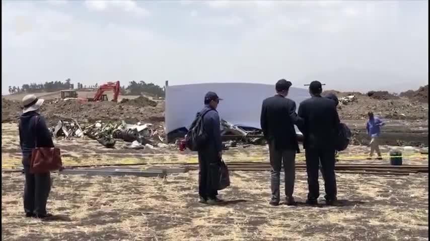 视频 埃航遇难浙江女孩家属赶到现场参加悼念仪式: