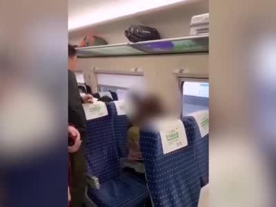 高铁上骂人的女子被拘5日,铁路警方:扰乱公共交通工具秩序