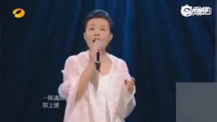视频:《歌手》龚琳娜再唱《小河淌水》夺第一