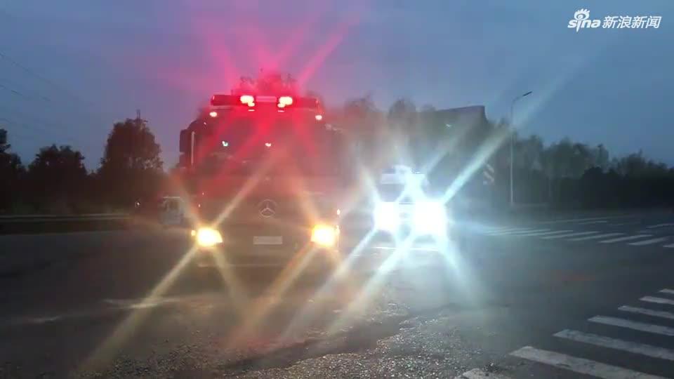 盐城化工厂爆炸 消防医疗等救济人员赶赴现场