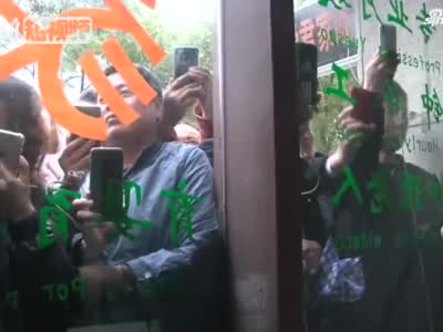 """上海""""流浪大师"""":没想到自己会走红 否认炒作传闻"""