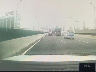 """""""4.4""""交通事故细节曝光 出租车司机货车车主均被刑拘"""