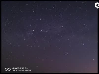 普通人能用P30 Pro拍出银河么?这是我们在北京实拍的结果