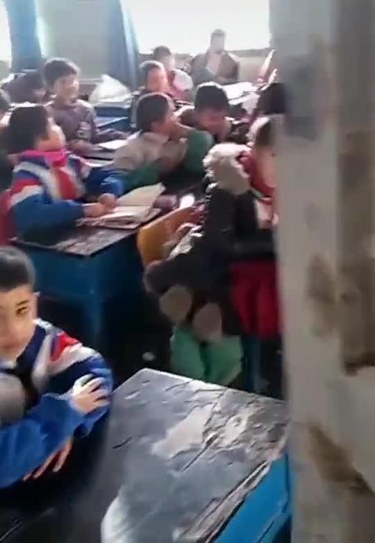视频-曾经去新疆支教的老师回来看自己的学生:孩子