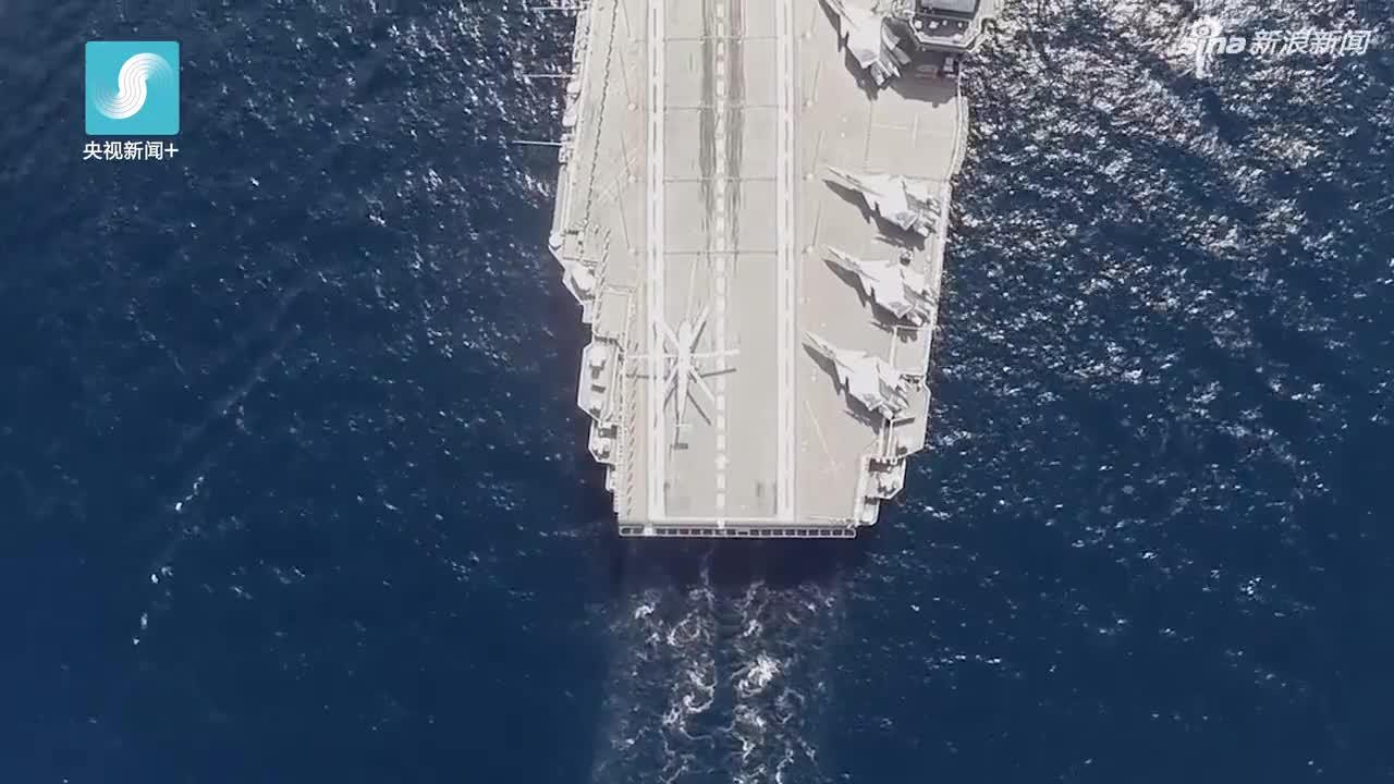 视频:一分钟回顾2018年南海阅兵震撼瞬间