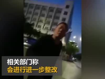 四川火车站黑车司机抢拉乘客 外地游客摆脱纠缠感叹:这好乱