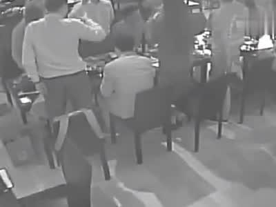 视频-刘强东案第五段视频曝光:3小时饭局女生被劝酒19次