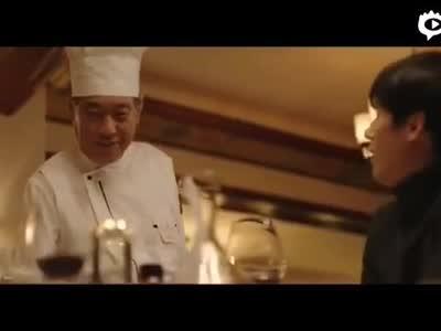 王波明在北京三里屯开牛排馆 变身大厨