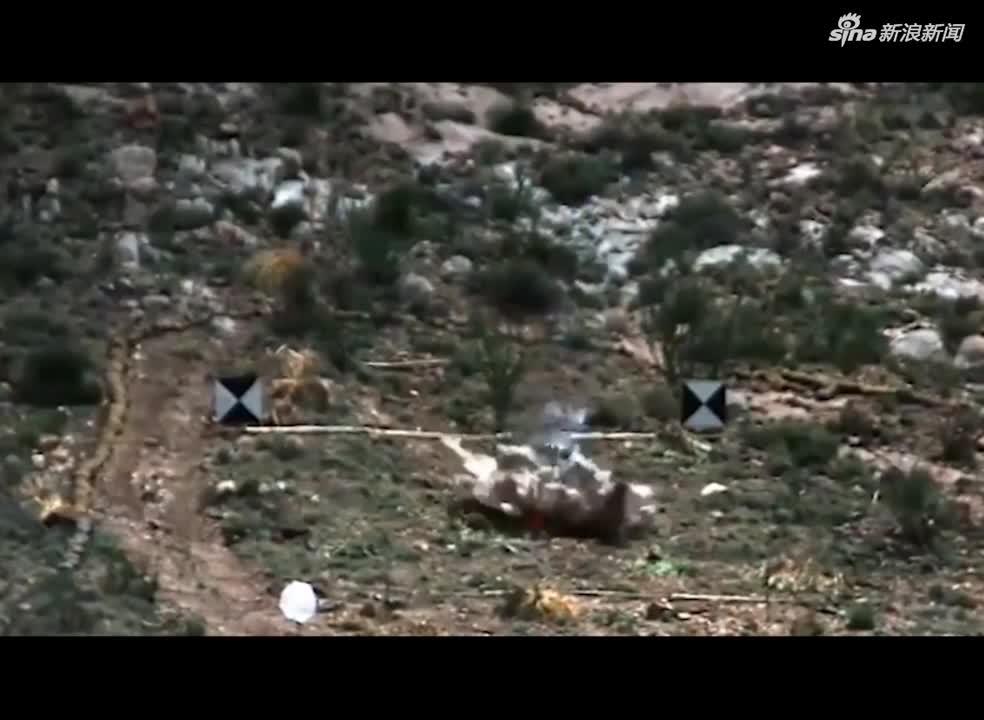 视频-美军放出B-2轰炸机投射巨型钻地弹视频:精