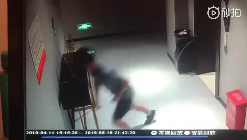 视频:奔赴海南10天捣毁8个诈骗窝点 南通38岁