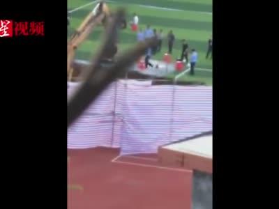 """视频:""""操场埋尸案""""时任校长退休后居深圳 参加校友聚会视频流出"""