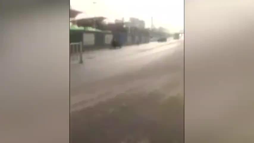 视频:郑州一在建高架桥突然坍塌 原本预计6天后通