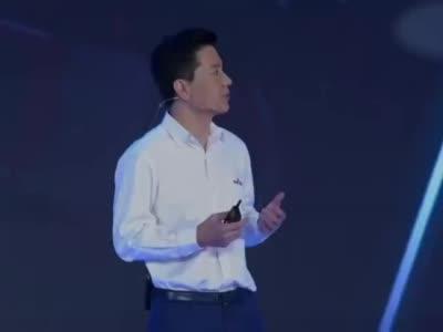 律师谈李彦宏演讲被泼水:涉嫌侵害名誉权和治安违法 - 我们视频 - 新京报网