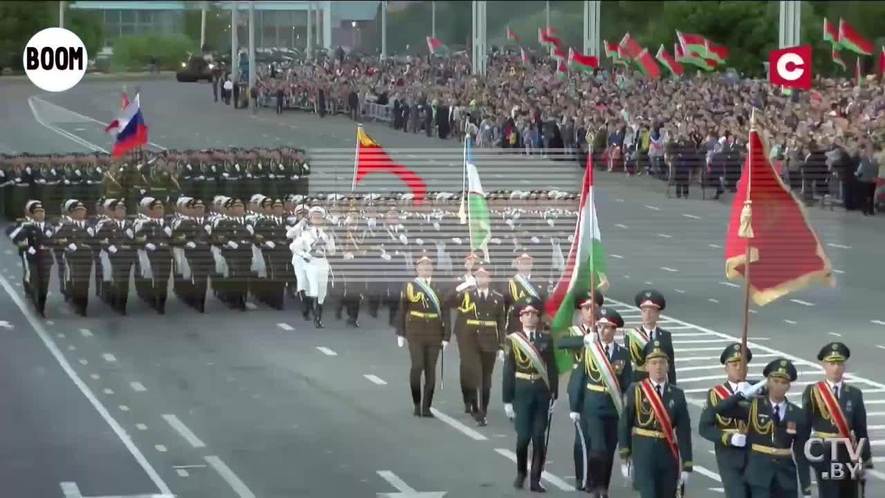 我军仪仗队亮相白俄罗斯阅兵式国产红旗轿车成检阅车