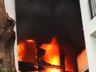 网友上传:志高空调待机状态自燃烧毁房屋