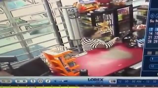 视频:女版福尔摩斯!女子汽车被偷自己破案 追踪2