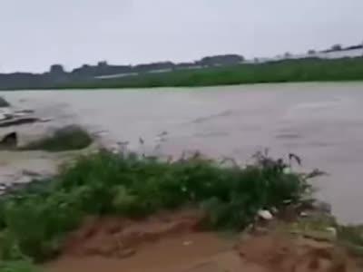 视频-山东寿光再遭水灾:大棚被淹 菜价或受影响