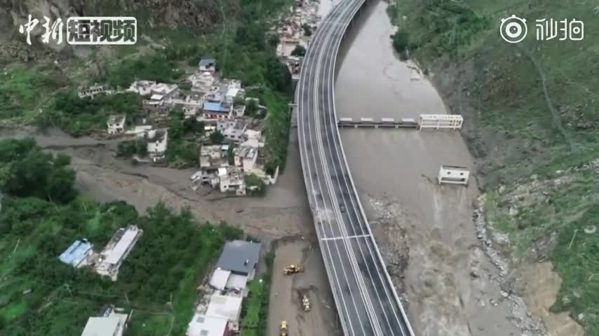 视频|四川汶川强降雨引发泥石流:4人遇难11人失
