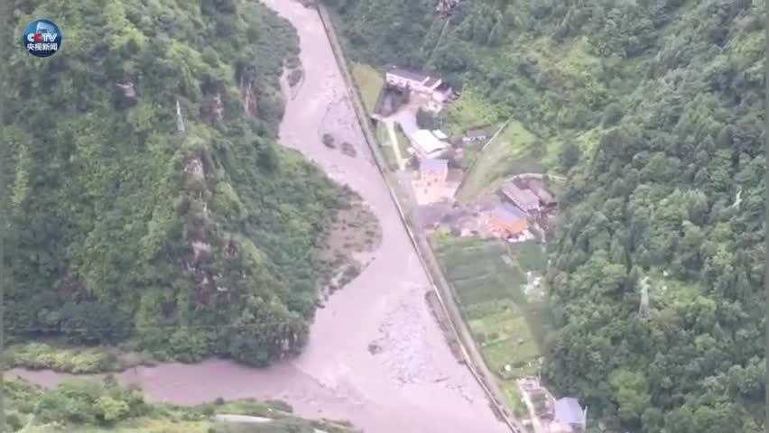 视频-紧急!暴雨致四川卧龙一电站洪水漫坝96人被
