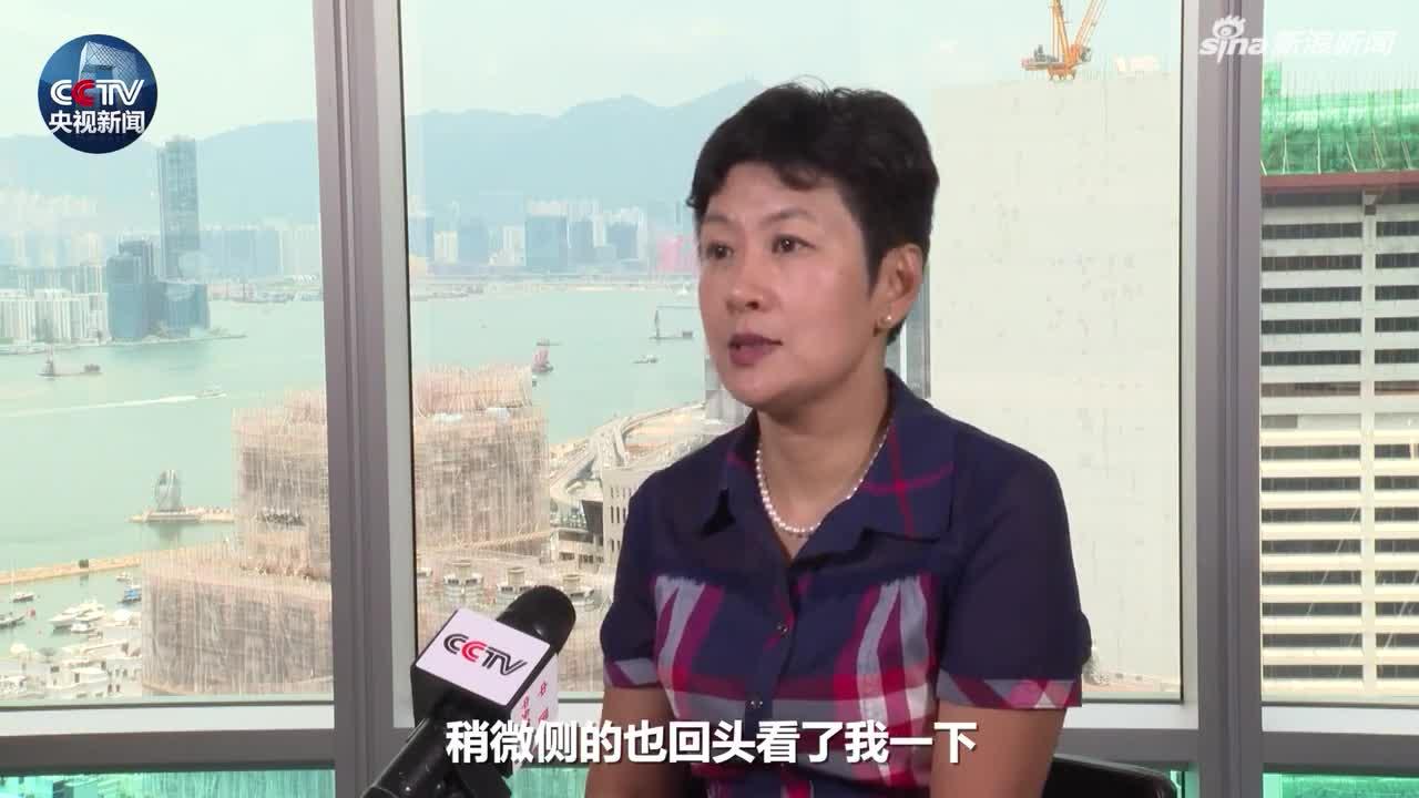 视频-遭港媒围堵的内地记者:他们遮遮掩掩 心里面