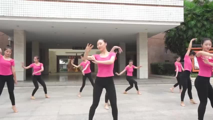 视频:要火!四川老师教师节Rap《师父》