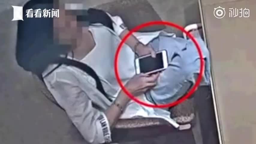 视频-女子9000元网购假手镯 跑实体店换成7万