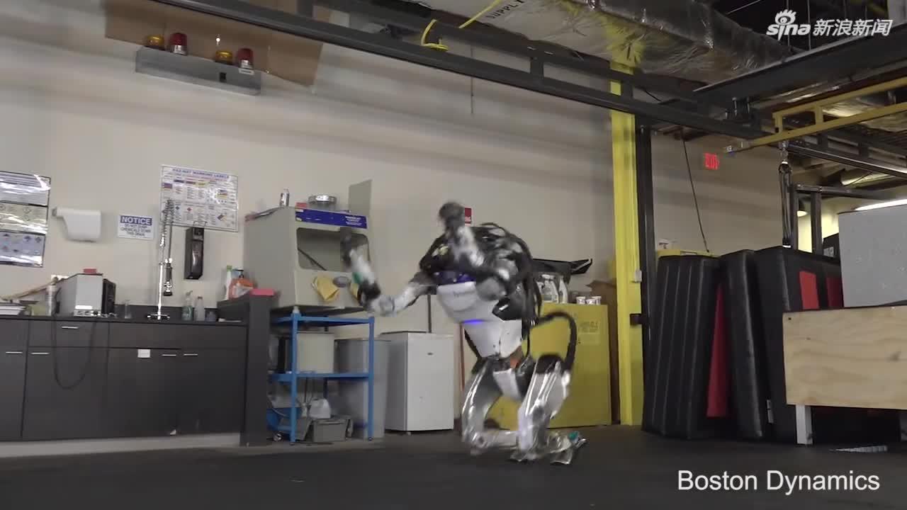 视频-波士顿动力的机器人又进化了:倒立、跑酷、翻