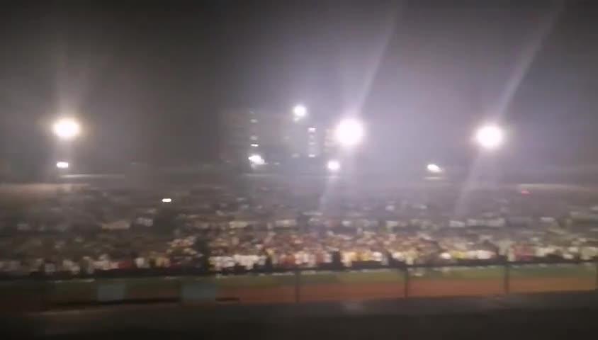 视频-广西玉林北流市5.2级地震 北流高中学生有
