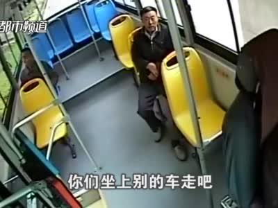 监控还原!许昌公交司机突发脑干出血,昏迷前一句话让人泪目!