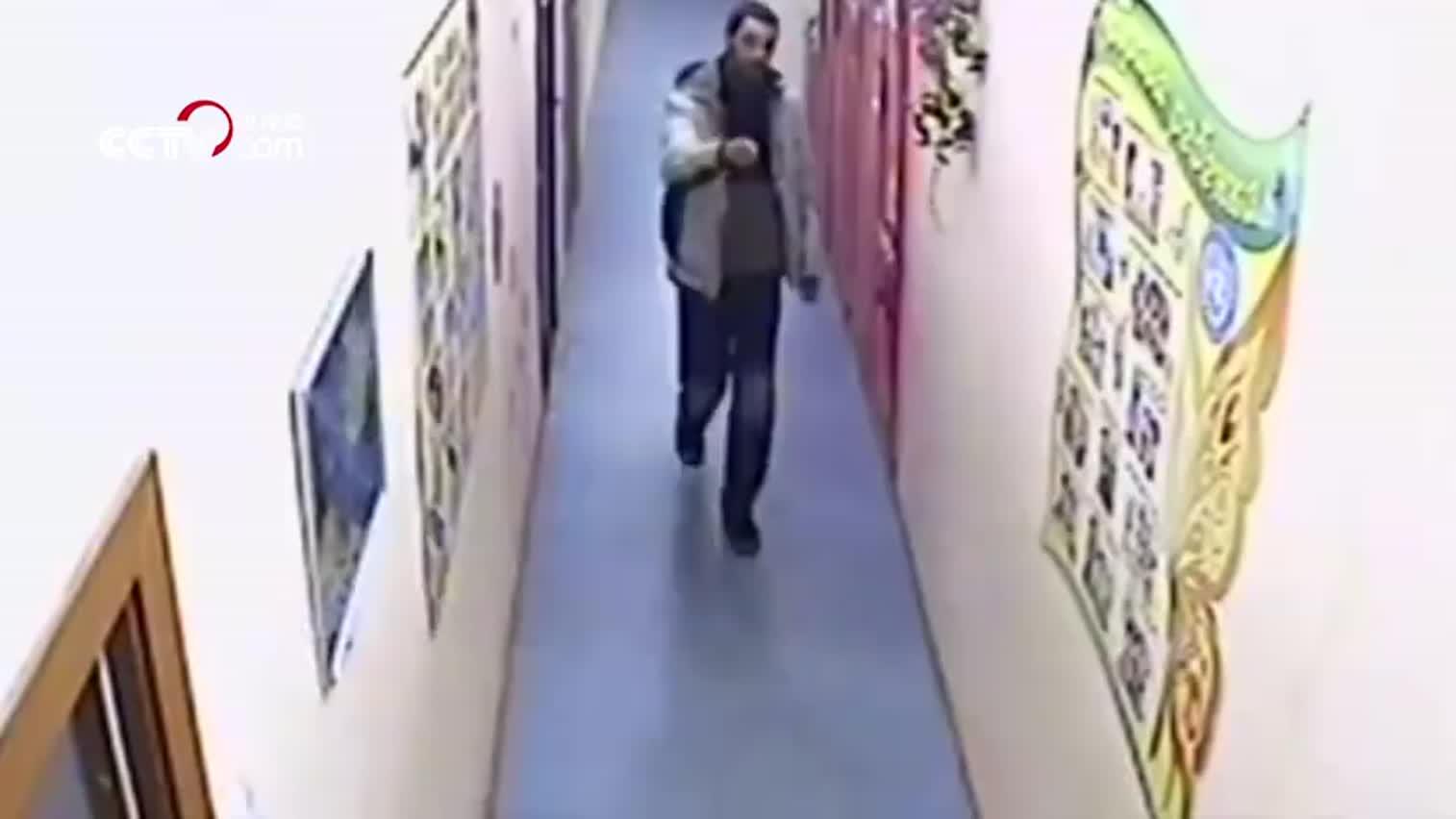 视频:丧心病狂!俄罗斯一男子进入幼儿园行凶 致6