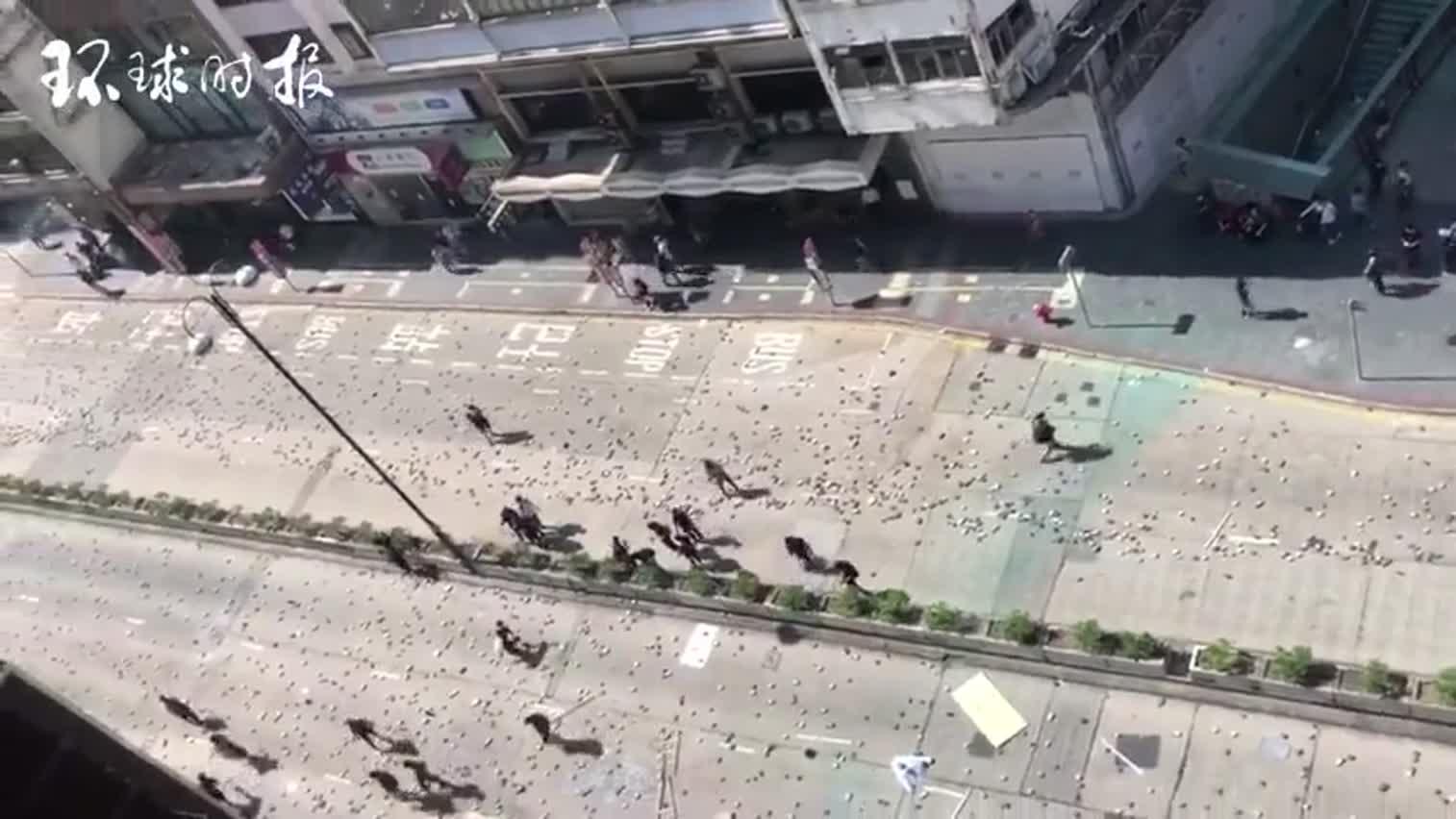 视频-今日还有暴徒在大街上搞破坏:砖头扔满地 拆