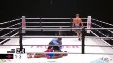 看着都疼!内特-罗宾逊拳击赛被对手直接KO