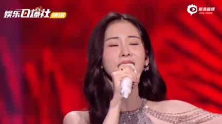 视频:刘宇宁张碧晨古风live舞台合唱《天问》超好听