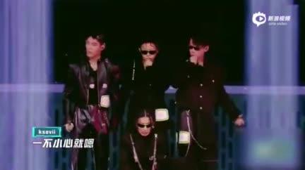 视频:《少年说唱企划》说唱新人合作舞台《一不小心就》获好评